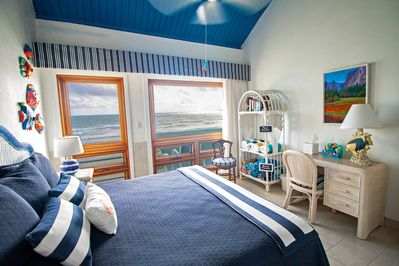Sleep with a view of the ocean!