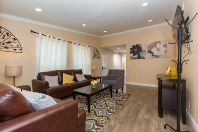 Nicely furnished one story house walking distance from Disneyland in  Anaheim - Southwest Anaheim