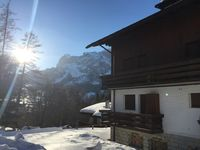 Nice apartment, good and convenient position above Cortina. Luca is responsive.