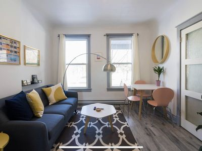 Photo for Stylish & Sunny Gem in Trendy Trinity Bellwoods, Ossington + Queen West
