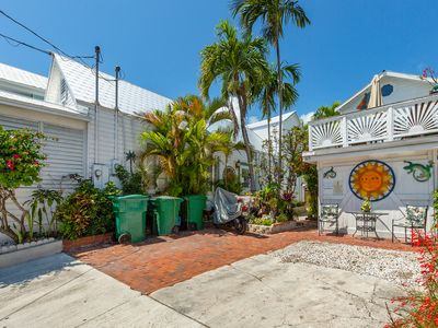 Photo for Family-friendly house w/ full kitchen, private parking & beach access nearby!