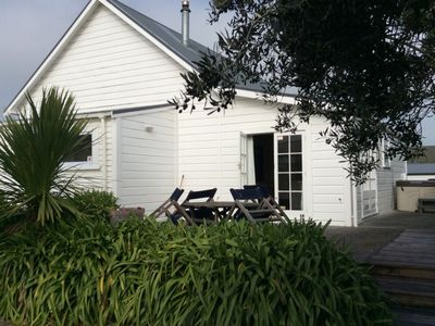 Photo for 4 Bedroom villa with Spa in Martinborough.