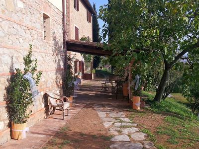 Photo for Old stone farmhouse in the 17th century near Trasimeno Lake 4 POSTS