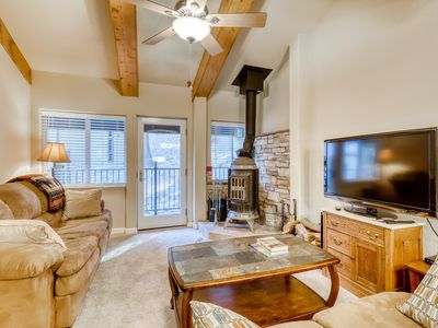 Photo for Cozy condo close to ski area with wood-burning stove and remodeled kitchen.