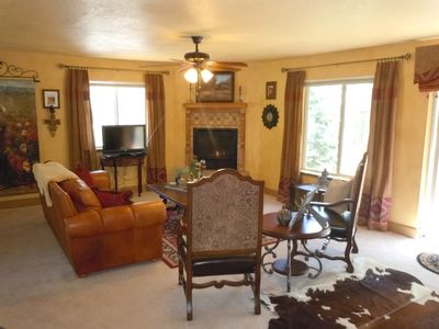 Photo for Luxury mountain home, sleeps 12, convenient / secluded