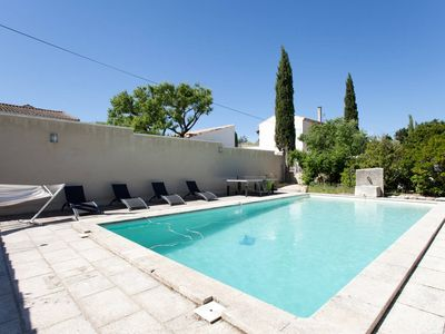 Photo for Mazet Provençal air-conditioned, 4 bedrooms, sleeps 8, private pool