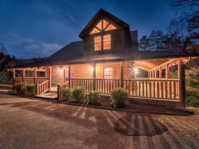 Photo for Majestic Oak Lodge - Luxury 5-Star Mountain Cabin
