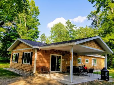 Brand NEW cottage on private, secluded 10 wooded acres 2 mi. from TORCH LAKE