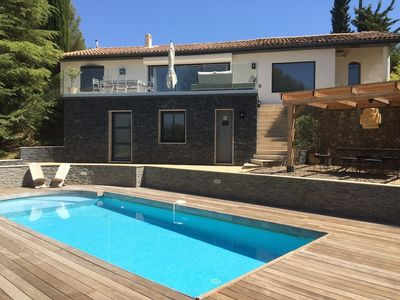 Photo for Beautiful property with swimming pool in a green setting!