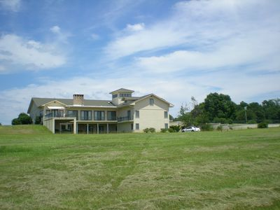 Country Estate -  9 Bedrooms + 2 Dorms (Sleeps 37) Amazing Lake Views
