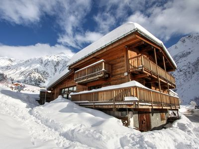 Photo for Large 4 bedroom chalet in Le Tour close to cable car and accommodating  8 people
