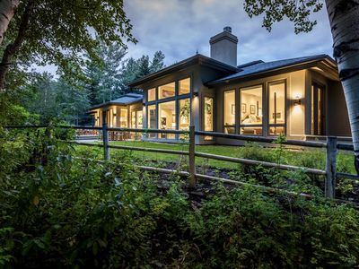 Renovated, refined, immaculate single-story mountain home 2 miles south of Baldy