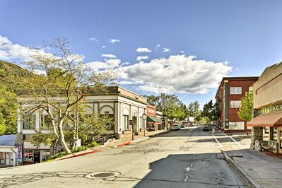 It is centrally located in the beautiful mountain town of Dunsmuir, CA!