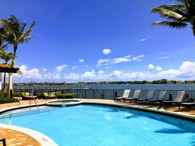 Photo for Large 4 bed townhome in exclusive executive intra-coastal condominium