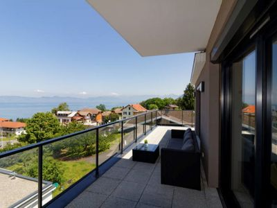 Photo for Luxury apartment Panoramic view of the lake