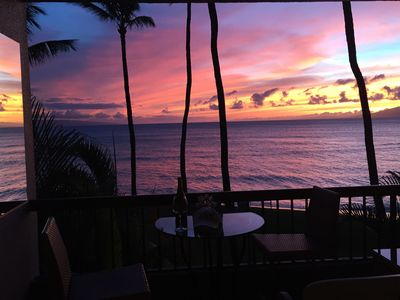 Photo for Direct Private Sandy Beach, OceanFront Paradise ! Hale Mahina Stunning Sunsets