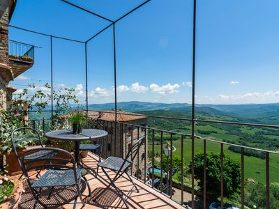 Photo for Italian holiday home in Tuscany with private terrace