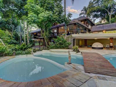 Photo for Ang016 - Authentic and luxurious mansion in Angra dos Reis