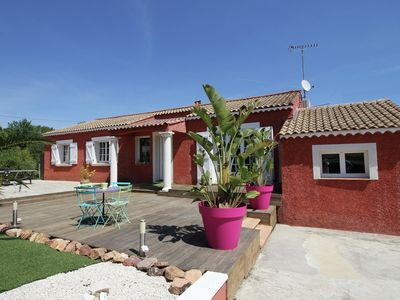 Photo for Villa with heated private pool and jacuzzi, 15 min from the sea!