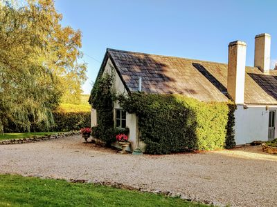 Photo for 1 bedroom cottage with stunning countryside views (sleeps 3)