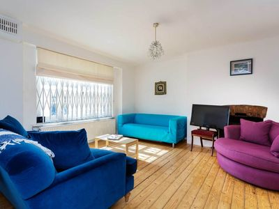Photo for Close to Paddington station! Cosy one bedroom apartment in Bayswater (Veeve)