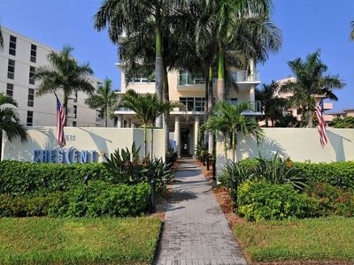 Crescent Siesta Key Front Building View