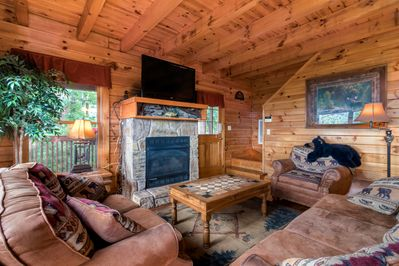 Rustic Log Cabin With Private Hot Tub And Panoramic Smoky Mountain Views Pigeon Forge