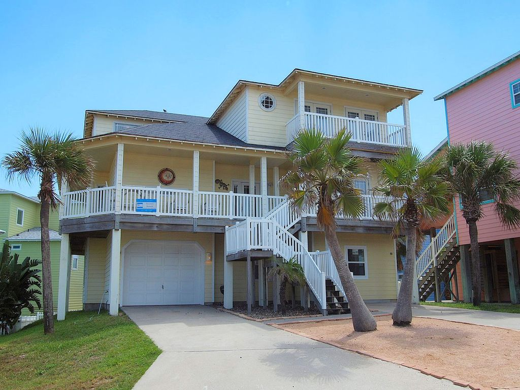 Fabulous 5 bedroom 3 bath home in wonderful sand point for 46 bedroom house in texas