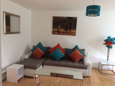 Photo for 2-bed flat nr train station sleeps 6, free parking