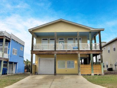 Photo for AS675: Spacious Home, Shared Pool, Boardwalk, Room for Boat