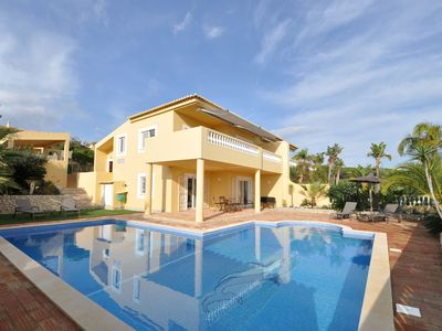 Photo for Villa with views overlooking the pool, sea and Meia Praia. Great for a relaxing holiday