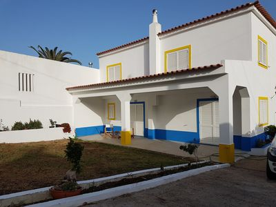 Photo for Spacious villa with garden near Praia Verde