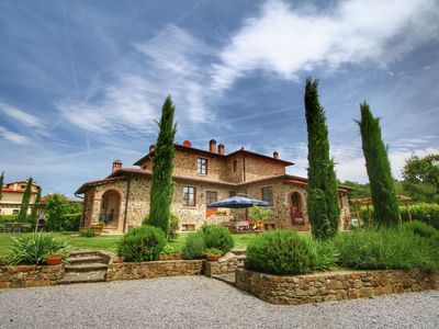 Photo for Tuscan style apartment with a view on the beautiful hills