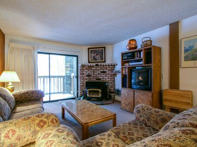 Photo for Short Walk to the Slopes at Eagle Lodge with Great Complex Amenities!