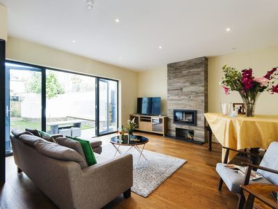 Photo for Spacious Spacious Fulham apartment in Hammersmith with private garden.