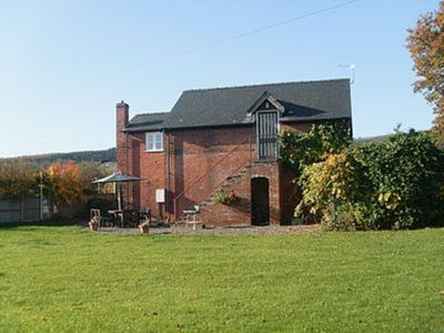 Photo for 2 bedroom property in Leominster. Pet friendly.