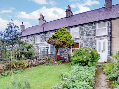 Photo for Vacation home Fron  in Caernarfon, Wales - 4 persons, 2 bedrooms