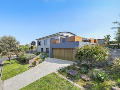 Photo for 4BR House Vacation Rental in Torquay, VIC