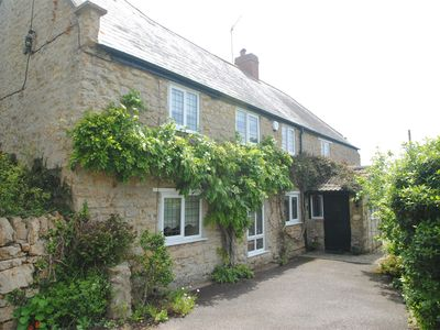 Photo for 4 bedroom Cottage in Shipton Gorge - DC019