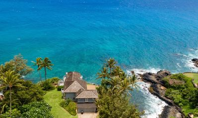 Photo for Hale Moku: Panoramic Oceanfront Experience