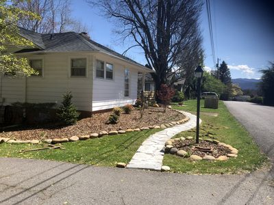 Photo for New listing! Cozy mountain bungalow with great sunroom