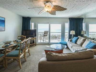 Photo for 102- Where you can watch the DOLPHINS PLAY! Destin Seafarer