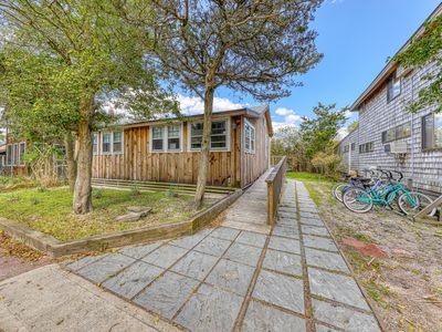 Photo for Beautiful, newly remodeled dog-friendly home near beach w/ great amenities