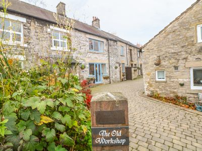 Photo for THE OLD WORKSHOP in Castleton, Peak District, Ref 934070