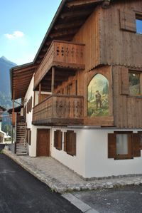 Photo for Renovated house at the foot of Mount Antelao, 2 terraces, light and comfortable