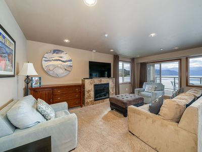 Photo for Grandview Lake View 540! Luxury 2 Bedroom Executive condo, sleeps up to 6!