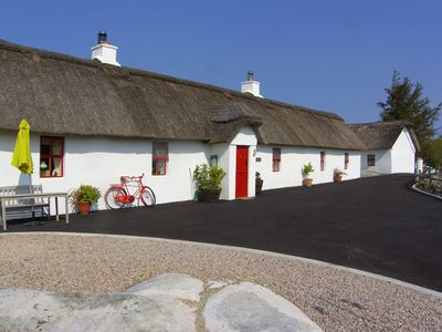 Photo for Detached Thatched Cottage for 6