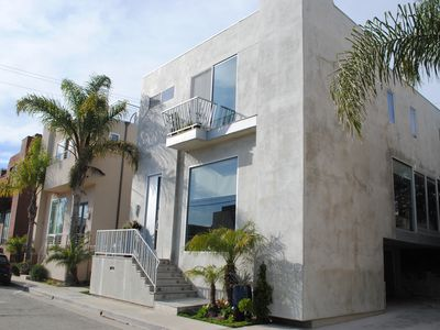 Photo for LOCATION Venice Beach-3B/2.5B Walk To Abbott Kinney, Beach, Canals,Contemporary