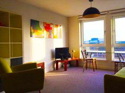 Photo for Stylish Edinburgh 2 bed apartment with amazing views, lift & secure parking
