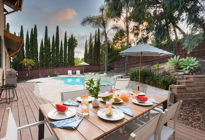 Welcome to Moreno. Cook a meal on the BBQ. Dine with friends on the patio.